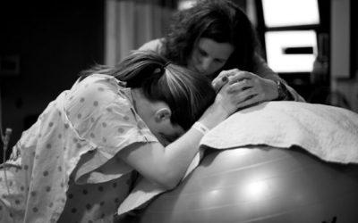 Doula no parto: Projeto de lei quer obrigar hospitais a permitir serviço