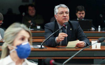 """Projeto """"Protege Brasil"""" apresentado por Padilha cria barreiras contra políticas genocidas"""