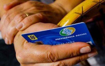 """""""Derrubada do veto ao BPC é vitória do povo brasileiro em um governo que é contra as pessoas que mais precisam"""", afirma Padilha"""