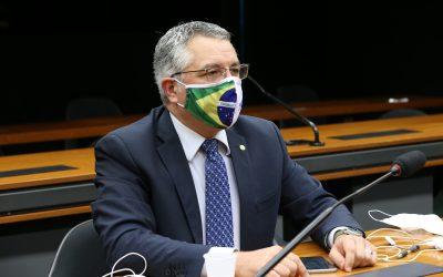 Padilha pede esclarecimentos ao Ministério da Saúde e apresenta projeto de lei para suspender protocolo da cloroquina de Bolsonaro